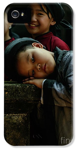Tired Actor IPhone 5 Case by Werner Padarin