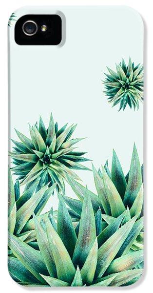Tropical Stars  IPhone 5 Case by Mark Ashkenazi