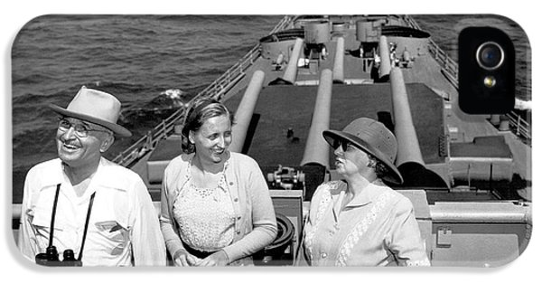 Truman Family At Sea IPhone 5 Case by Underwood Archives
