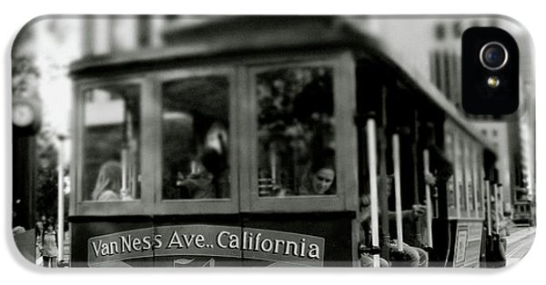 Van Ness And Market Cable Car- By Linda Woods IPhone 5 Case by Linda Woods