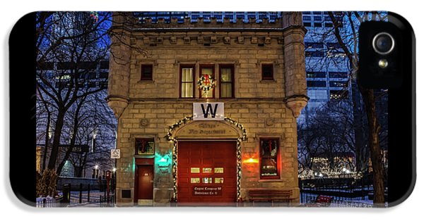 Vintage Chicago Firehouse With Xmas Lights And W Flag IPhone 5 Case