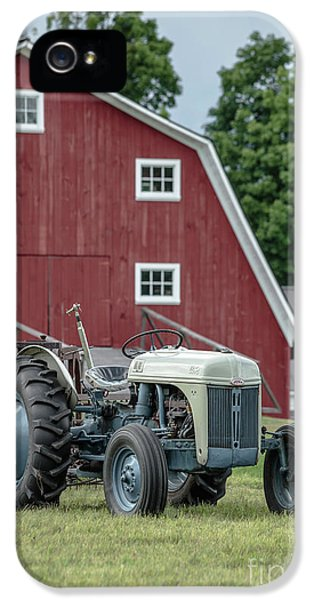 Etna iPhone 5 Case - Vintage Ford Farm Tractor With Red Barn by Edward Fielding