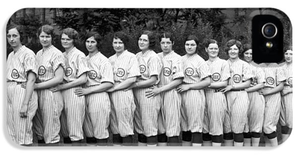 Vintage Photo Of Women's Baseball Team IPhone 5 Case by American School