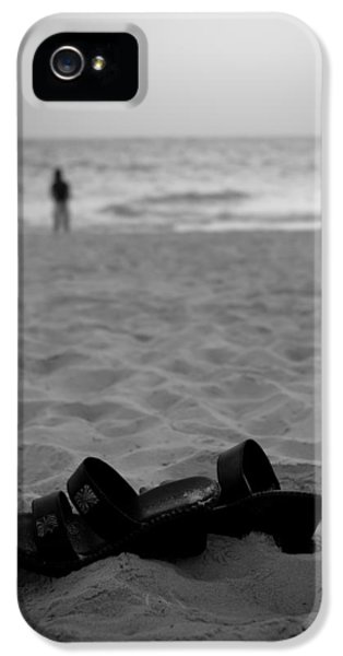 Walk On The Beach IPhone 5 Case by Sebastian Musial