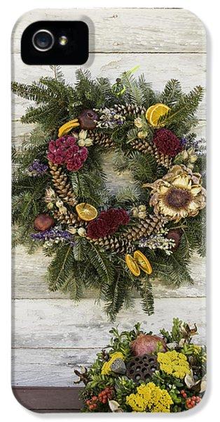 Williamsburg Wreath 10 IPhone 5 Case by Teresa Mucha