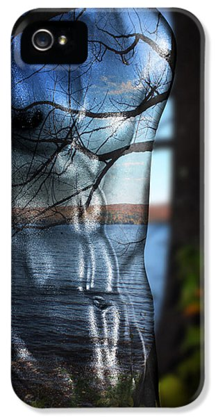 With The Back To The Sea  IPhone 5 Case by Mark Ashkenazi