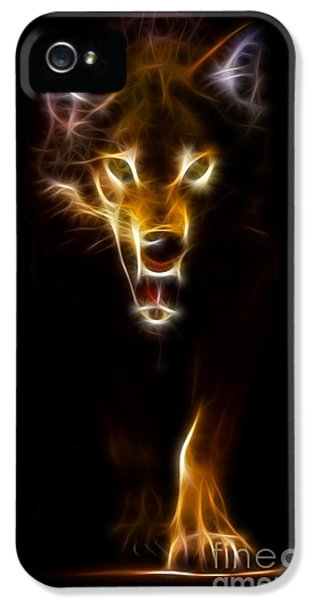 Wolf Ready To Attack IPhone 5 Case by Pamela Johnson