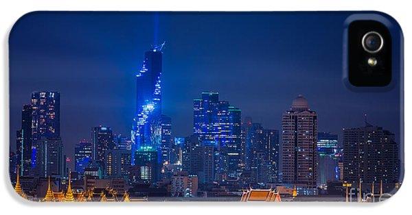 Office Buildings iPhone 5 Case - Mahanakhon Bangkok Rising Lightshow by Anek.soowannaphoom