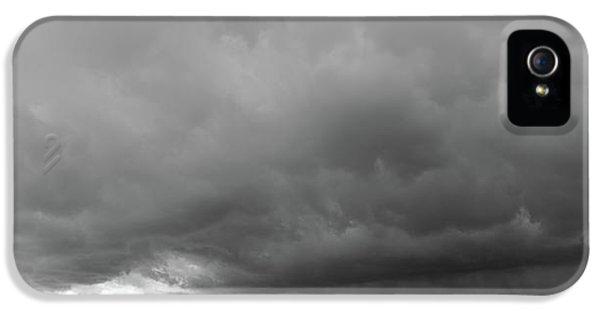 Nebraskasc iPhone 5 Case - Storm Chasin In Nader Alley 009 by NebraskaSC