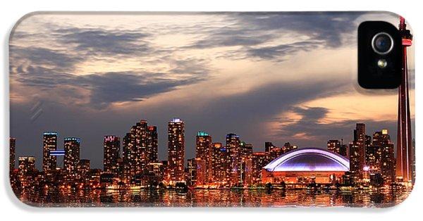 Office Buildings iPhone 5 Case - Toronto Skyline At Sunset, Ontario by Inga Locmele