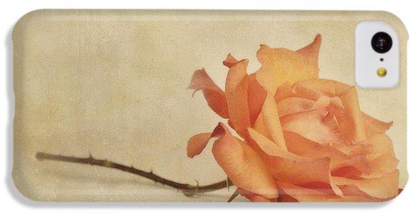 Rose iPhone 5c Case - Bellezza by Priska Wettstein