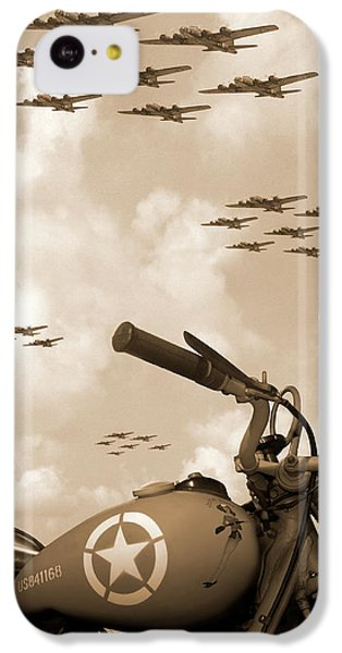 Bicycle iPhone 5c Case - 1942 Indian 841 - B-17 Flying Fortress' by Mike McGlothlen
