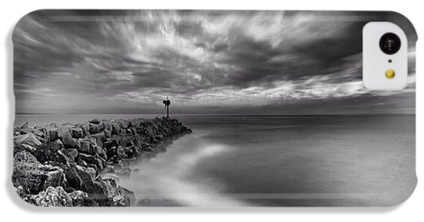 iPhone 5c Case - Long Exposure Sunset At The Oceanside by Larry Marshall