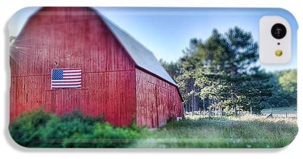 IPhone 5c Case featuring the photograph American Barn by Sebastian Musial