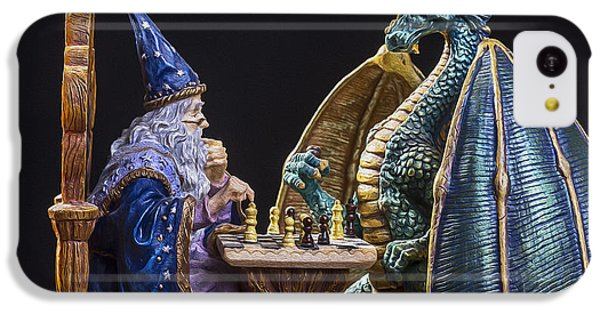 Dungeon iPhone 5c Case - An Epic Chess Match by Bill Tiepelman