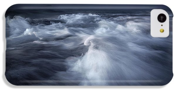 Flow iPhone 5c Case - Ancient Waves by Luca Rebustini
