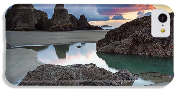 Beach Sunset iPhone 5c Case - Bandon By The Sea by Robert Bynum
