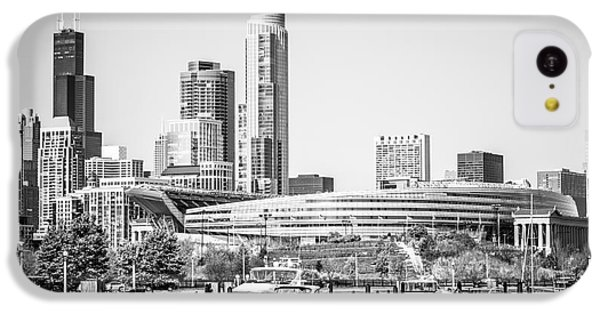 Black And White Picture Of Chicago Skyline IPhone 5c Case by Paul Velgos