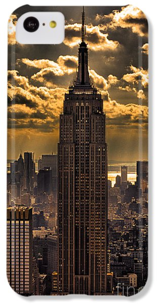 Landmarks iPhone 5c Case - Brilliant But Hazy Manhattan Day by John Farnan