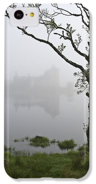 Castle Kilchurn Tree IPhone 5c Case by Gary Eason