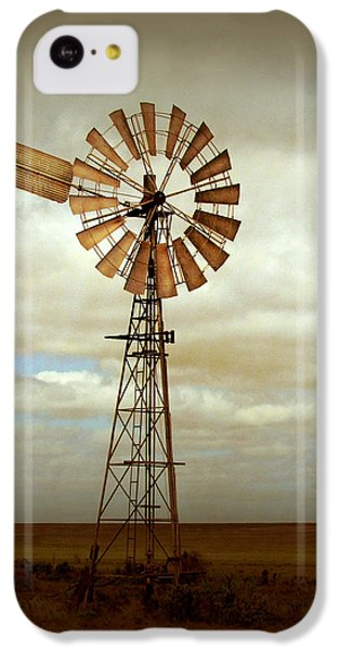 Rural Scenes iPhone 5c Case - Catch The Wind by Holly Kempe