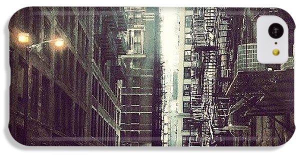 Architecture iPhone 5c Case - Chicago Alleyway by Jill Tuinier
