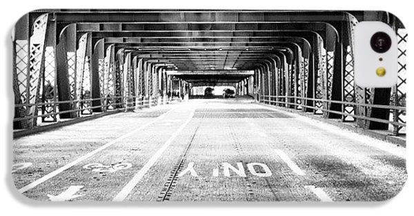 Architecture iPhone 5c Case - Chicago Wells Street Bridge Picture by Paul Velgos