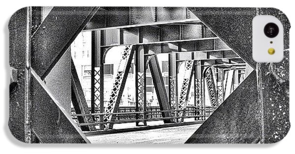 Architecture iPhone 5c Case - Chicago Bridge Iron In Black And White by Paul Velgos