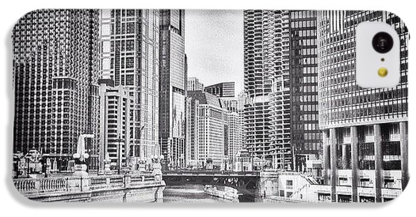 City iPhone 5c Case - #chicago #cityscape #chicagoriver by Paul Velgos