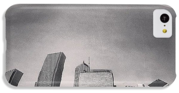 City iPhone 5c Case - Cloud Gate Chicago Skyline Reflection by Paul Velgos
