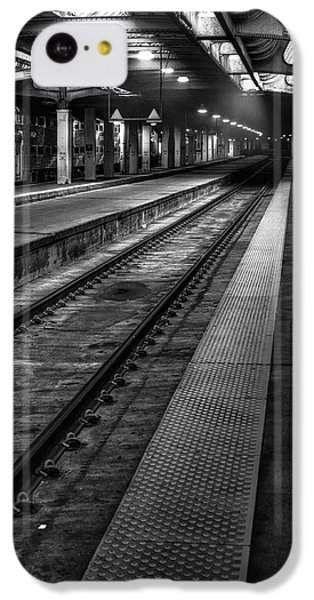 London Tube iPhone 5c Case - Chicago Union Station by Scott Norris