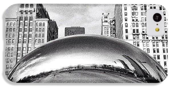 City iPhone 5c Case - Chicago Bean Cloud Gate Photo by Paul Velgos