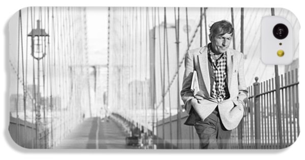 IPhone 5c Case featuring the photograph Crossing Brooklyn Bridge by Dave Beckerman