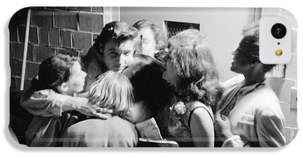Elvis Presley Hugging Fans 1956 IPhone 5c Case