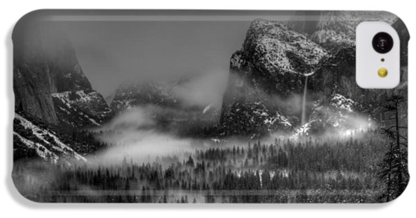 Enchanted Valley In Black And White IPhone 5c Case