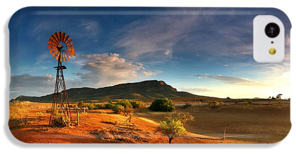 Landscape iPhone 5c Case - First Light On Wilpena Pound by Bill  Robinson