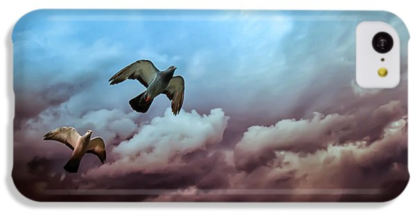 Flying Before The Storm IPhone 5c Case by Bob Orsillo