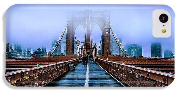 Featured Images iPhone 5c Case - Fog Over The Brooklyn by Az Jackson