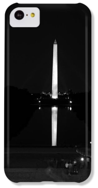 Lincoln Memorial iPhone 5c Case - From Lincoln To Washington In Black And White by Greg and Chrystal Mimbs