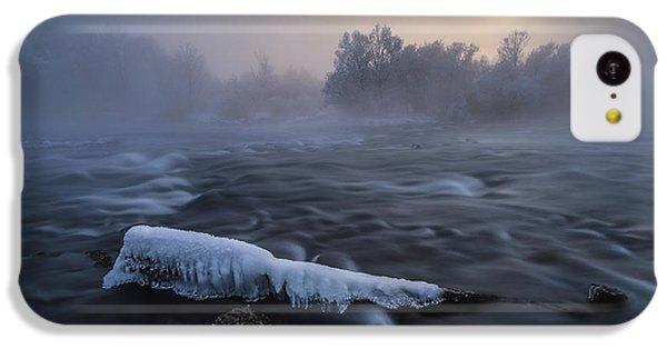 Flow iPhone 5c Case - Frozen by Tom Meier