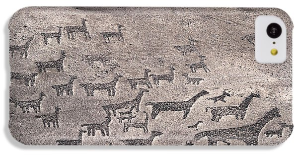 Geoglyphs At Tiliviche Chile IPhone 5c Case by James Brunker