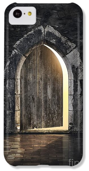 Dungeon iPhone 5c Case - Gothic Light by Carlos Caetano