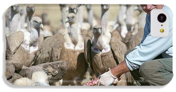 Griffon iPhone 5c Case - Griffon Vulture Conservation by Nicolas Reusens
