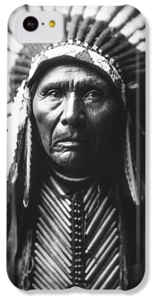Portraits iPhone 5c Case - Indian Of North America Circa 1905 by Aged Pixel