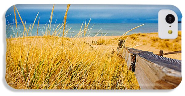 Lake Michigan iPhone 5c Case - Lake Superior Beach by John McGraw