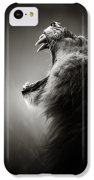 Portraits iPhone 5c Case - Lion Displaying Dangerous Teeth by Johan Swanepoel
