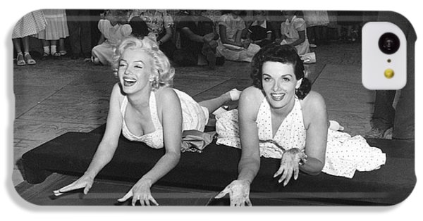 Marilyn Monroe iPhone 5c Case - Marilyn Monroe And Jane Russell by Underwood Archives