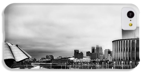 Minneapolis From The University Of Minnesota IPhone 5c Case by Tom Gort