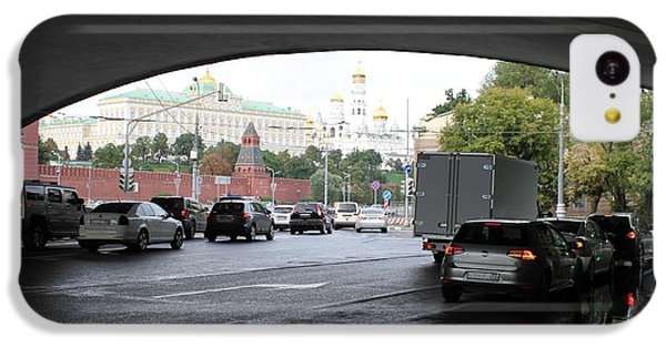 Moscow Kremlin Seen Through The Archway Of Greater Stone Bridge In Moscow I IPhone 5c Case