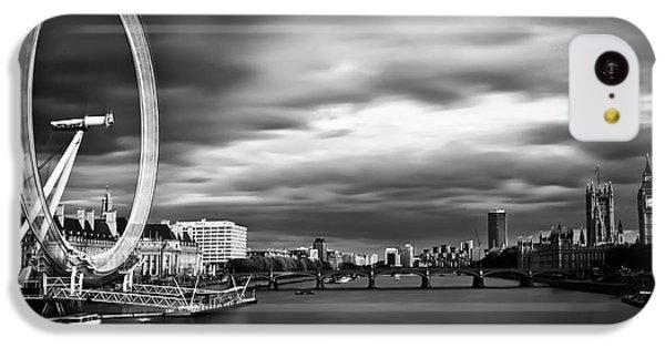 Big Ben iPhone 5c Case - Movement by Arthit Somsakul